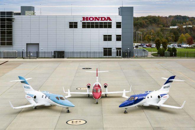 HondaJet Elite(左)、HondaJet(中央)、HondaJet APMG(右)