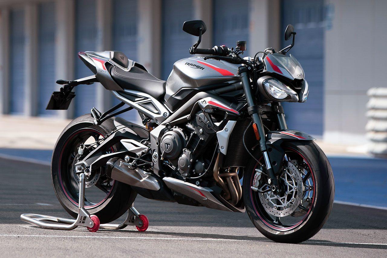 トライアンフ、新型ストリートトリプルRSを発表。Moto2譲りのエンジン搭載で11月発売予定