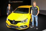F1 | ヒュルケンベルグ、開発携わったルノー・メガーヌ R.S.トロフィーの発表会に登場。F1日本GPで「ポイントを稼ぎたい」
