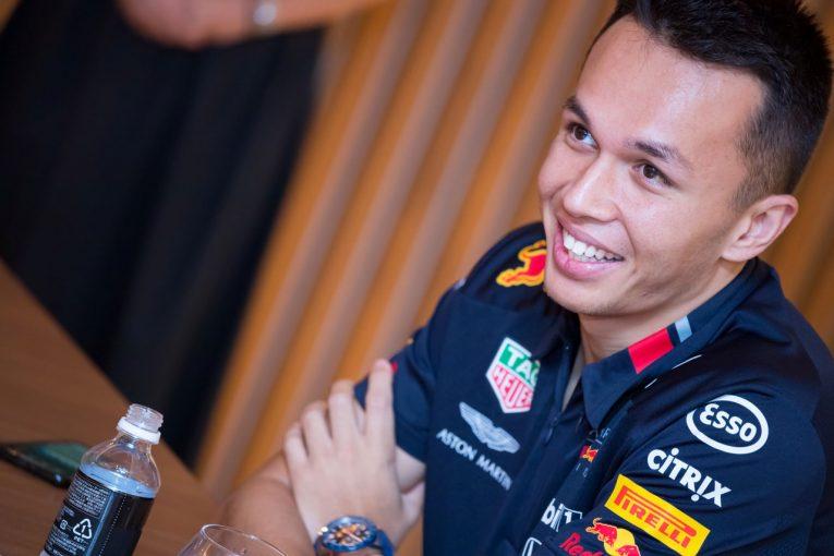 F1 | 「テクニカルな鈴鹿ではスムーズに走ることが秘訣」日本GPを前にアルボンが攻略法を語る。親友の福住仁嶺と東京観光も