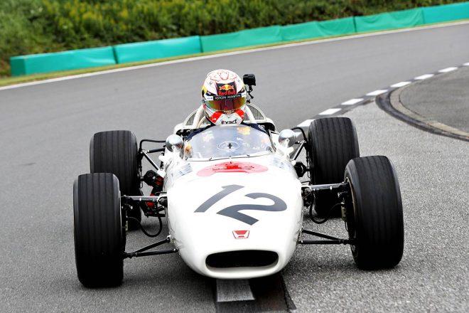 マックス・フェルスタッペンがホンダRA272をドライブ