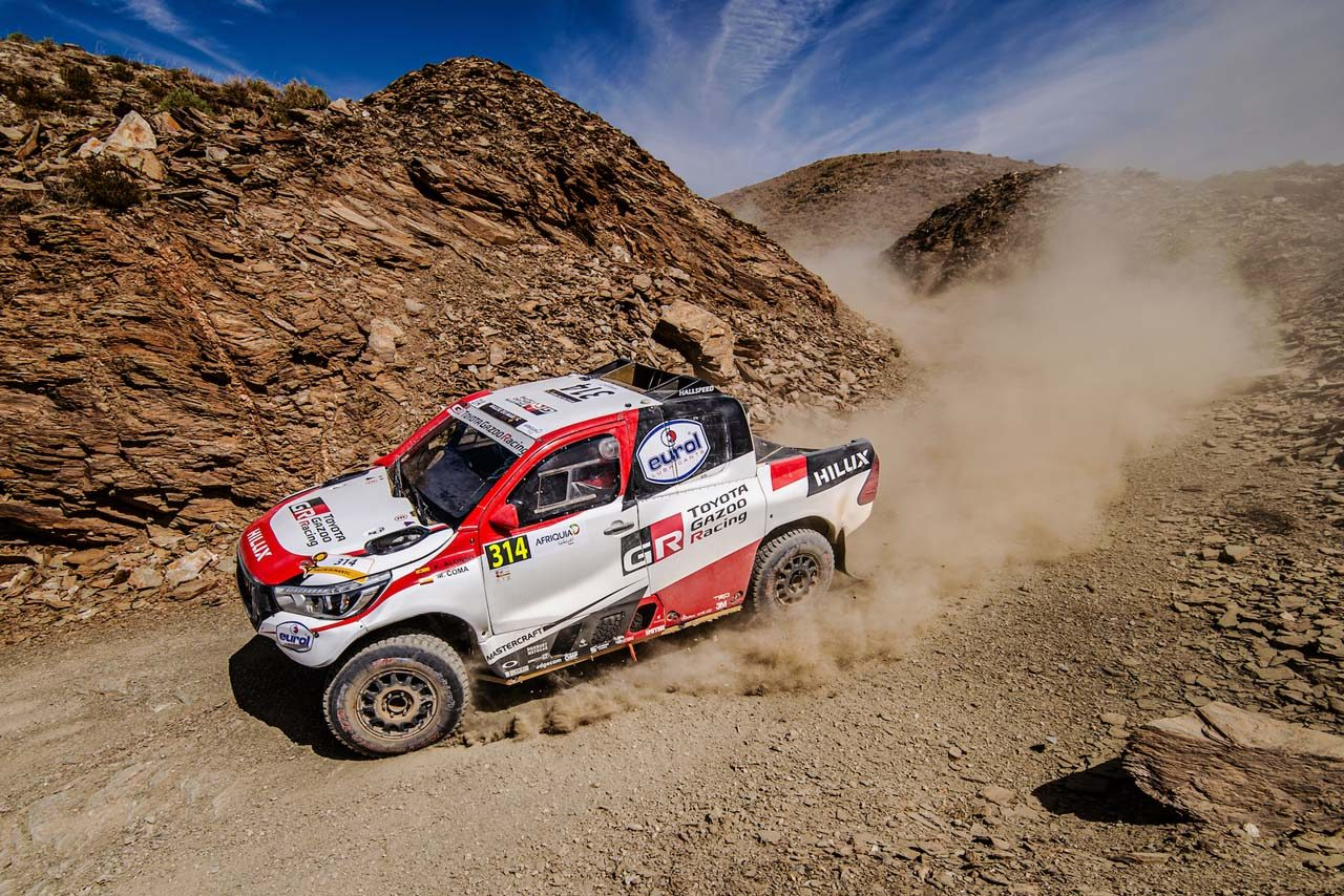 アロンソがダカールの前哨戦、ラリー・モロッコで完走果たす。僚友駆るトヨタ・ハイラックスが総合優勝