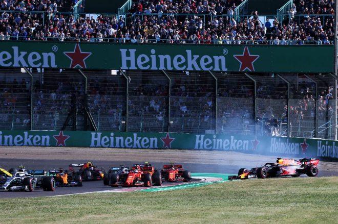 2019年F1第17戦日本GP決勝 マックス・フェルスタッペンはシャルル・ルクレールと接触しスピン