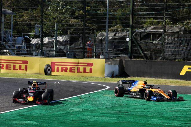 2019年F1第17戦日本GP ランド・ノリスと接触したアレクサンダー・アルボン