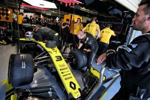 F1 | ルノーF1のマシンに規定違反の疑い。ライバルチームからの抗議でパーツが押収、日本GPの順位も暫定扱いに