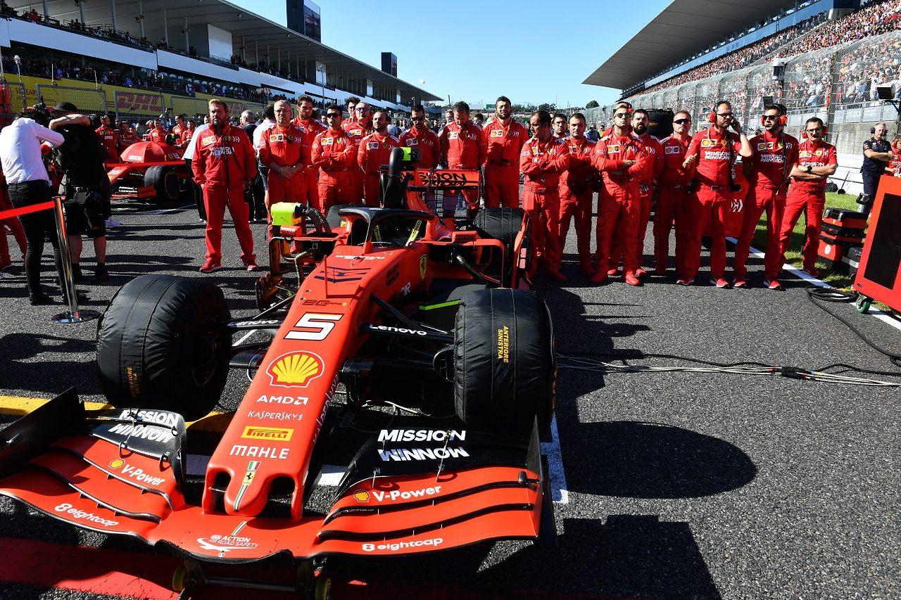 2019年F1第17戦日本GP日曜 グリッド上のセバスチャン・ベッテルのフェラーリSF90