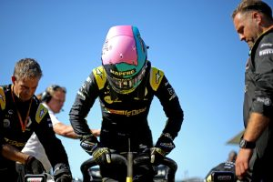F1 | リカルドが16番グリッドから6位。ルノー、ダブル入賞達成も、技術規定違反の疑いで順位変更の可能性:F1日本GP