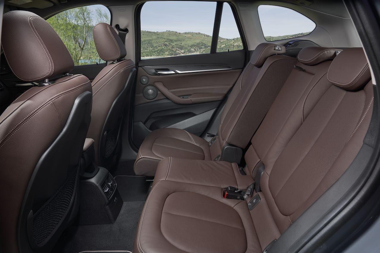 """『BMW X1』がデザイン刷新。最新ADAS""""BMWドライビング・アシスト""""も標準搭載"""