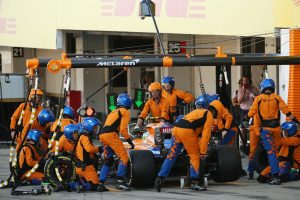 F1 | 2019年F1第17戦日本GP ピットストップを行うランド・ノリス(マクラーレン)