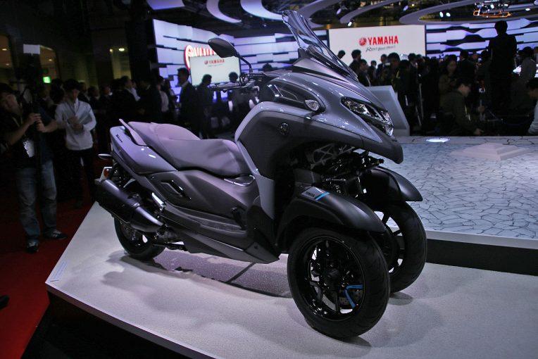 MotoGP | ヤマハ、ミドルクラスの3輪バイク『トリシティ300』をミラノショー前に世界初公開。陸のドローンもお披露目