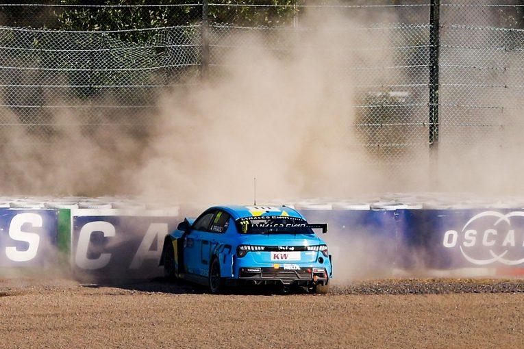 海外レース他 | WTCR鈴鹿:レース1でクラッシュしたプリオールとキャツバーグが舌戦。互いを非難