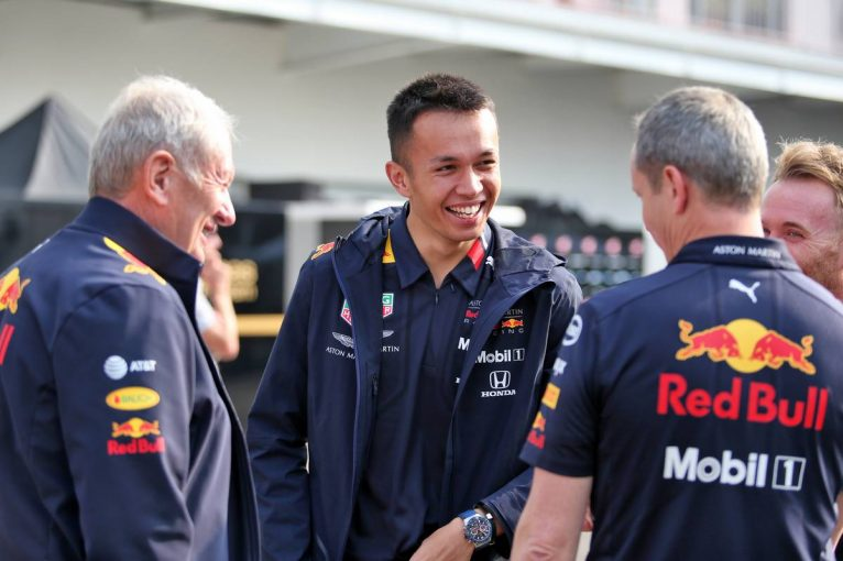 F1 | ハミルトン、アルボンの将来を有望視「レッドブルのサポートが数年間続くことを期待している」