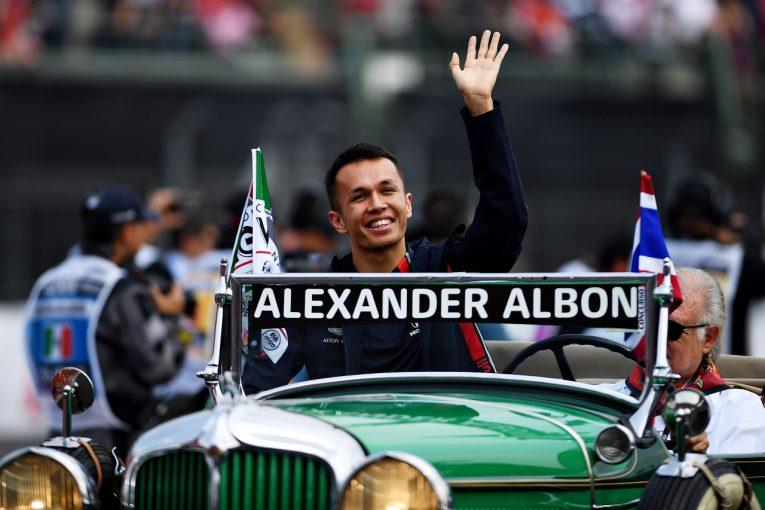 F1 | 5位のアルボン、最速ラップでは2位「上位を走って興奮。1回ストップだったらどうなっていたかな」レッドブル・ホンダF1