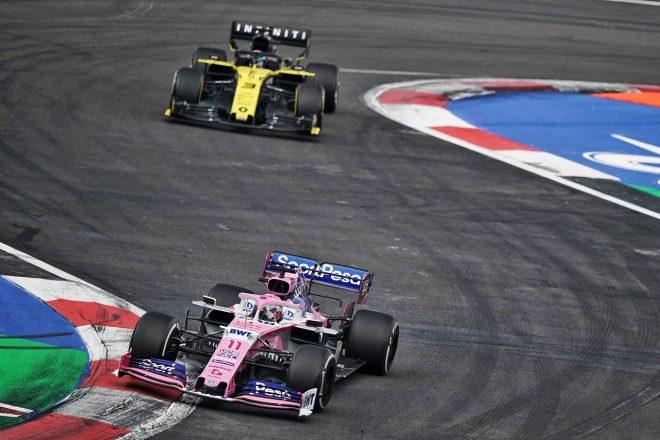 2019年F1第18戦メキシコGP セルジオ・ペレス(レーシングポイント)とダニエル・リカルド(ルノー)