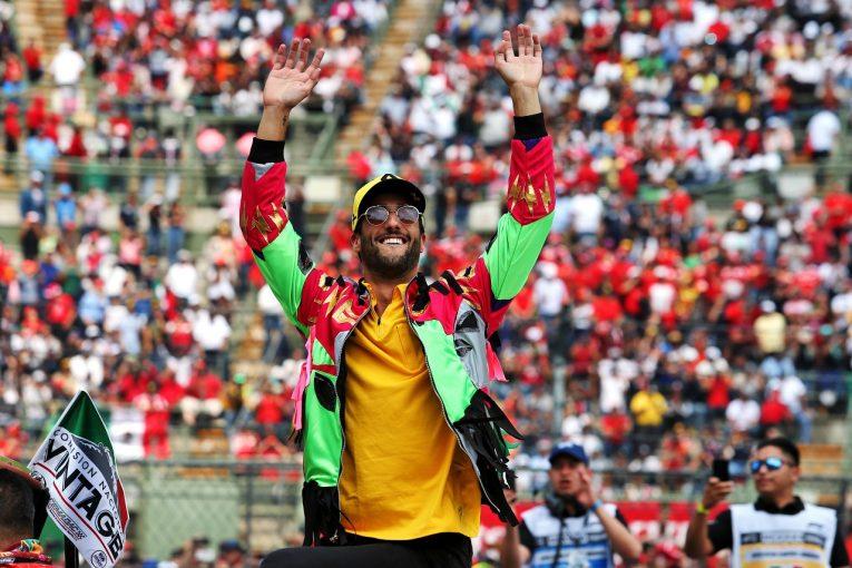 F1 | 日本GP失格のルノーがダブル入賞「くじけずに仕事に励んだチームの皆を誇りに思う」とリカルド:F1メキシコGP