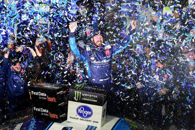 海外レース他 | NASCAR第33戦:トヨタのトゥルーエクスJr.が全ステージ制圧。レース後には乱闘騒ぎも