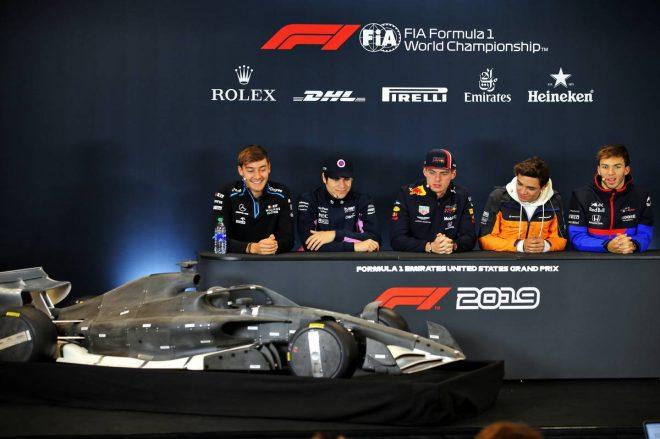 F1アメリカGP木曜会見場に置かれた2021年用の風洞モデル