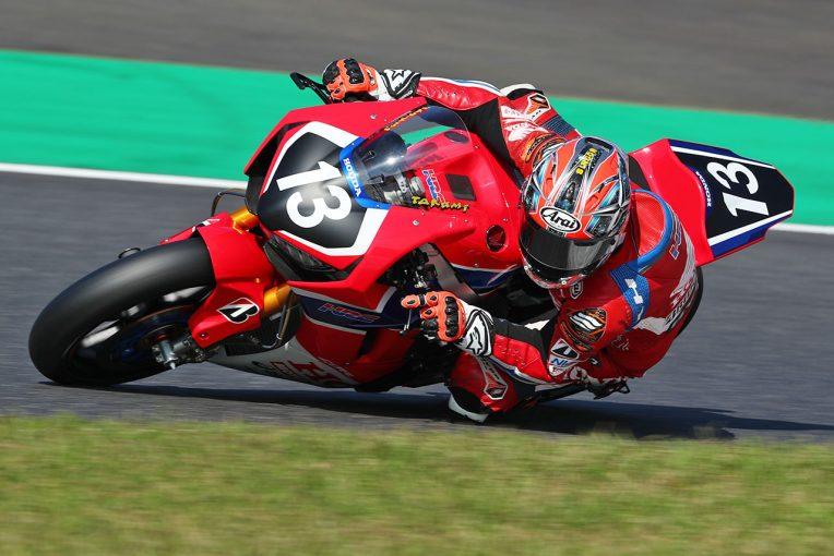 MotoGP | ホンダ高橋巧が自身のレコード2分3秒874を塗り替えてレース1のポール獲得/全日本ロード第8戦鈴鹿