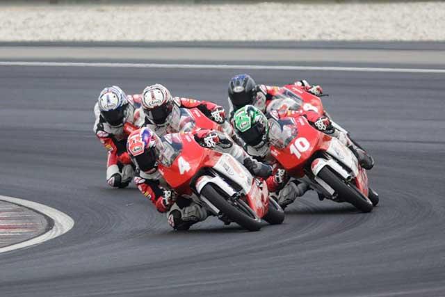 MotoGP | 将来を期待された20歳のライダーが亡くなる。セパンで行われた若手主体のアジアシリーズ決勝でクラッシュ