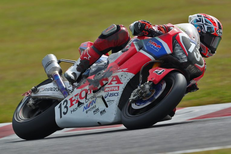 MotoGP | ホンダ高橋巧がまさかの転倒。ヤマハ中須賀が優勝でポイントリーダー奪取/全日本ロード第8戦鈴鹿レース1
