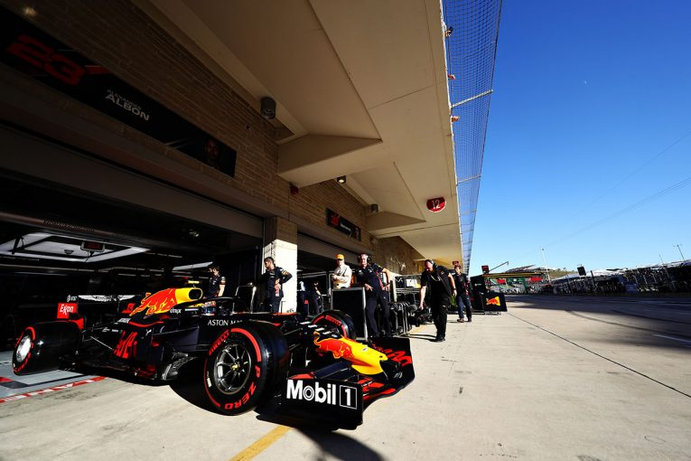 F1 | レッドブル・ホンダ密着:あえてソフトタイヤで?決勝で気になるアルボンの役割/F1アメリカGP土曜
