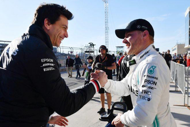 2019年F1第19戦アメリカGP ポールポジションを獲得したバルテリ・ボッタス(メルセデス)とチーム代表トト・ウォルフ