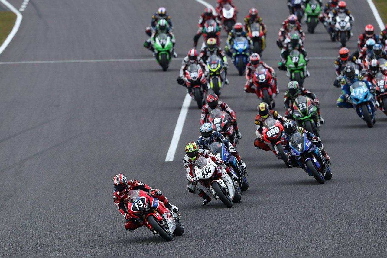 高橋巧、レース2で完全勝利も王者に届かず。中須賀が逆転で9度目タイトル決める/全日本ロード第9戦鈴鹿