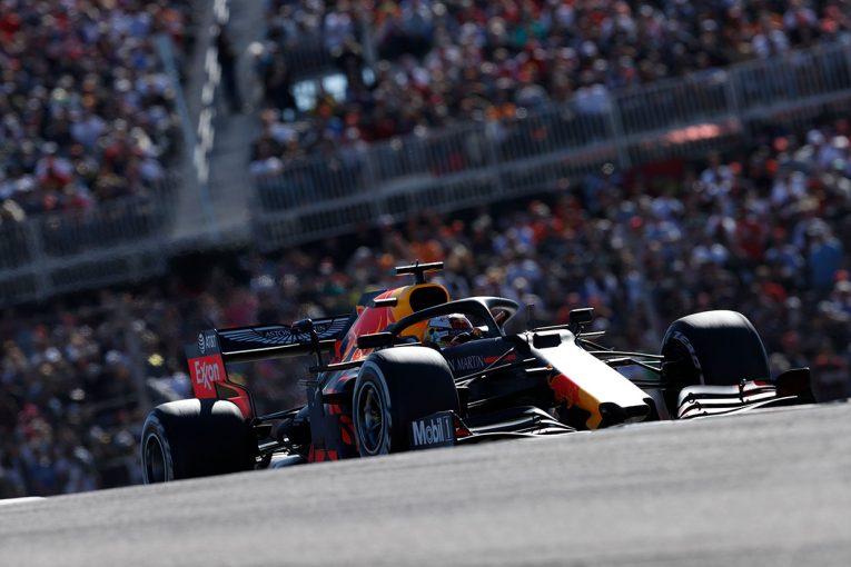 F1 | レッドブル・ホンダ密着:3位表彰台のフェルスタッペン、手負いのマシンでメルセデスと真っ向勝負/F1アメリカGP