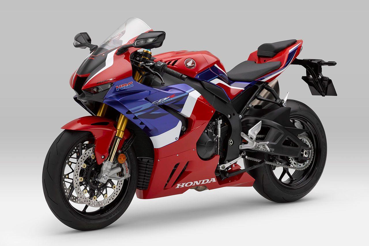 3年ぶりのフルモデルチェンジ。ホンダ、新型スーパースポーツ『CBR1000RR-R FIREBLADE』を発表