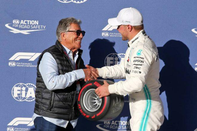 2019年F1第19戦アメリカGP ポールポジション・アワードのプレゼンター役を努めたマリオ・アンドレッティ