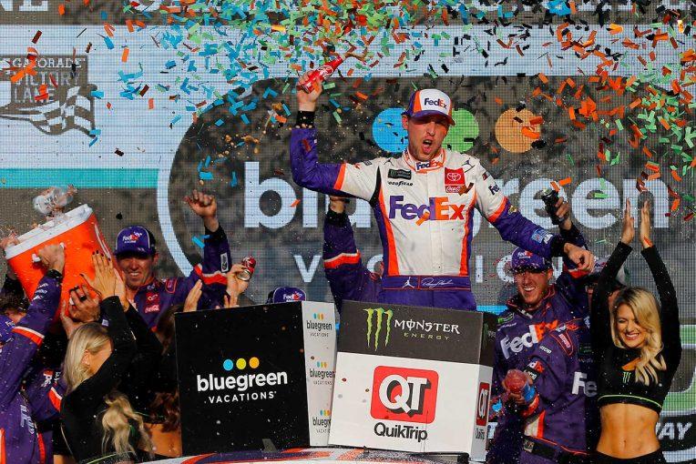 海外レース他   NASCAR第35戦:トヨタは3台が王座獲得権を確保。マニュファクチャラーズタイトルはトヨタに輝く