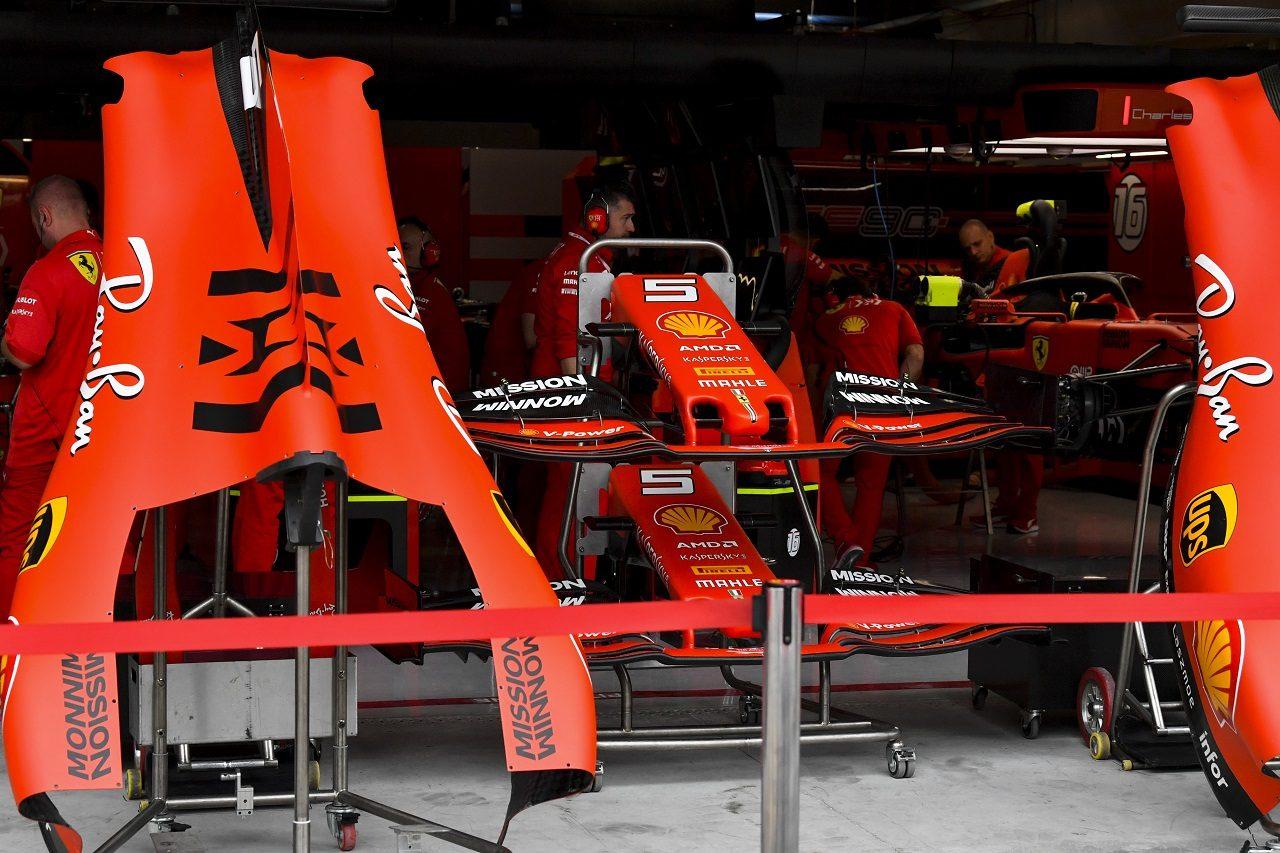 2019年F1第20戦ブラジルGP木曜 フェラーリのガレージ