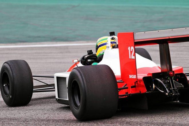 2019年F1第20戦ブラジルGP マーティン・ブランドルがマクラーレンMP4/4 をデモラン