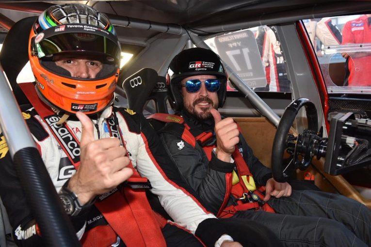 海外レース他   アロンソ、アルゼンチンのSTC2000戦うトヨタ・カローラをテスト「とても興味深い経験」