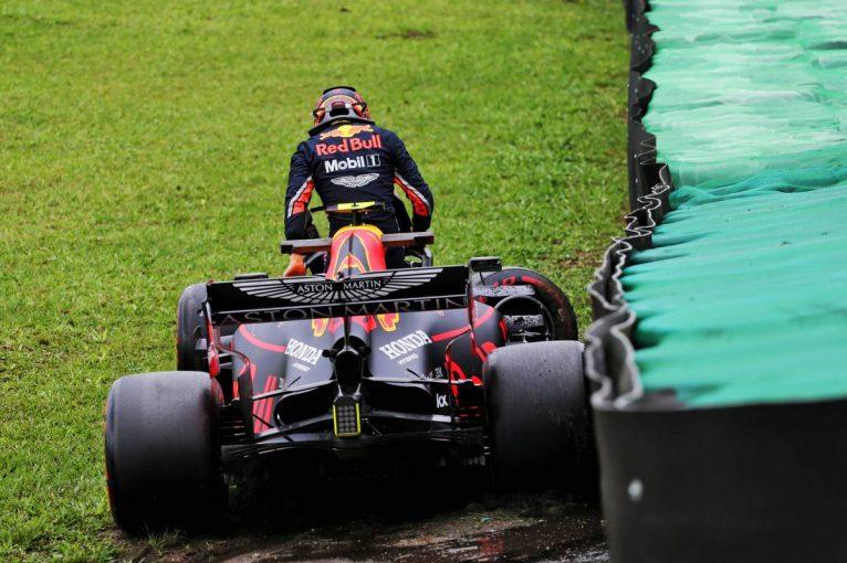 F1 | F1ブラジルGP FP1:ウエット路面でレッドブル・ホンダのアルボンがトップタイム記録も終盤にクラッシュ