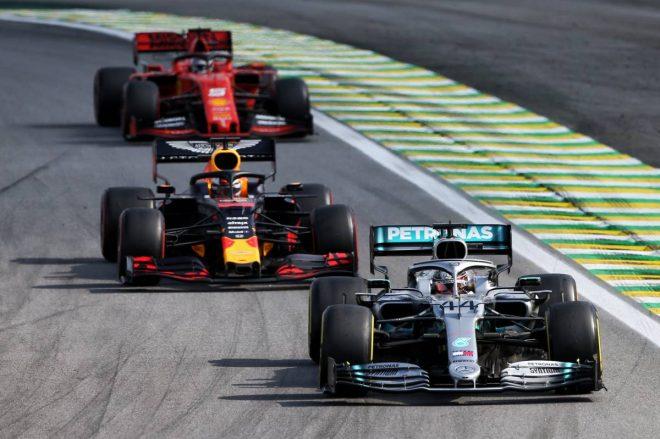 2019年F1第20戦ブラジルGP トップを走るルイス・ハミルトン