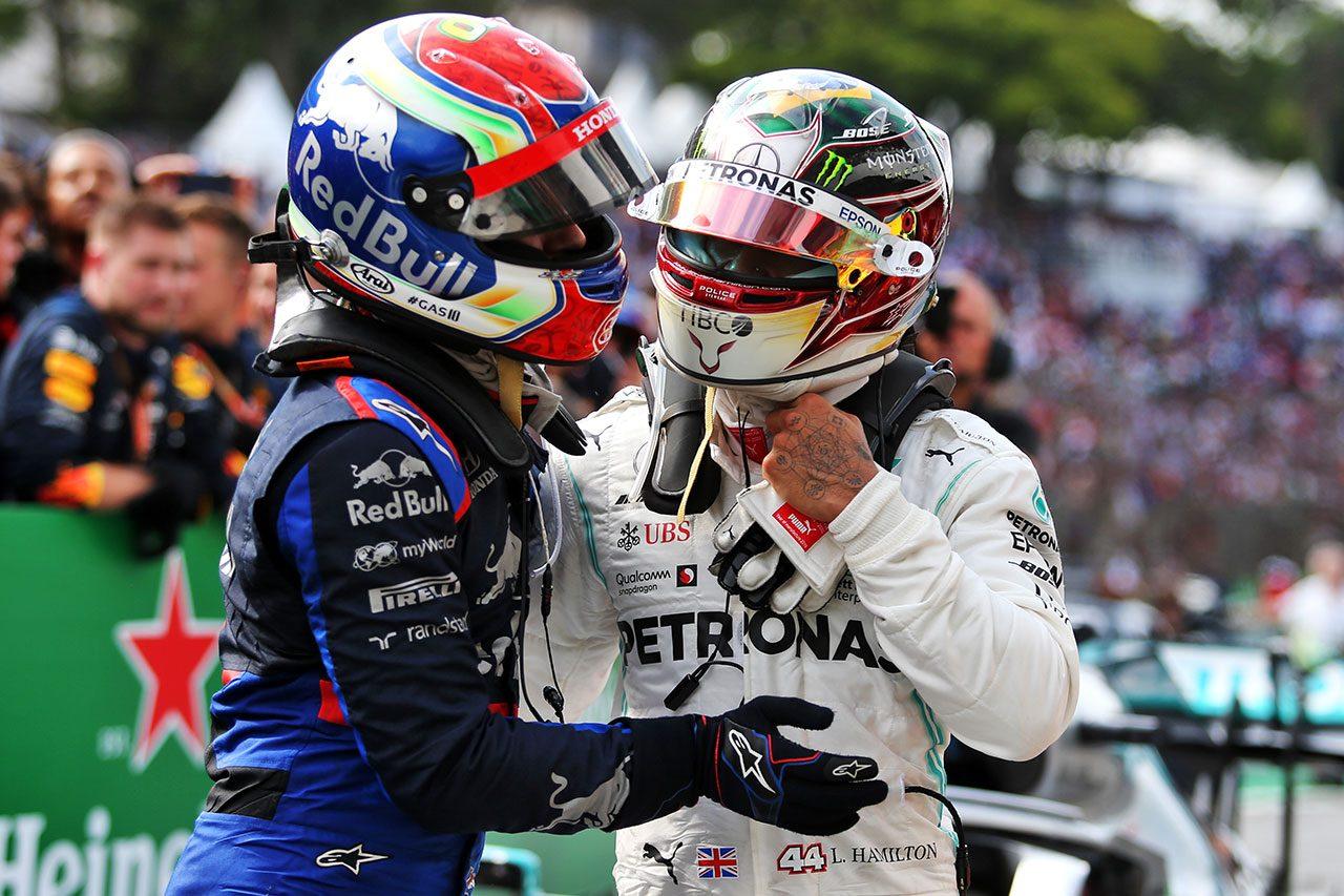 2019年F1第20戦ブラジルGP ピエール・ガスリー(トロロッソ・ホンダ)、ルイス・ハミルトン(メルセデス)
