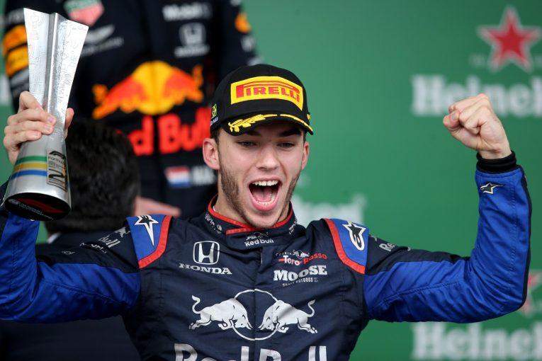 F1 | ガスリー、ハミルトンを0.062秒差で抑えきり2位「ホンダに感謝。パワーに助けられ、メルセデスを退けることができた」