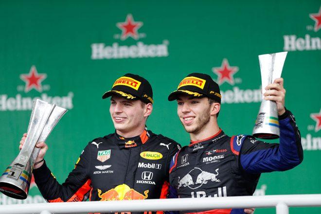 2019年F1第20戦ブラジルGP 優勝したマックス・フェルスタッペン、2位のピエール・ガスリー