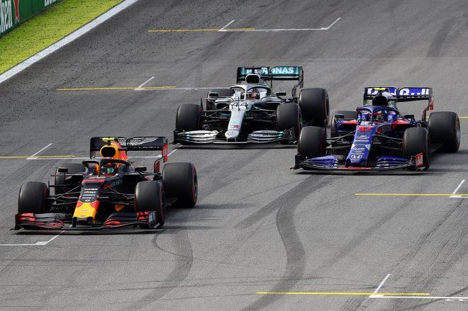 2019年F1第20戦ブラジルGP決勝 ルイス・ハミルトンはセーフティカー後にピエール・ガスリーをオーバーテイク