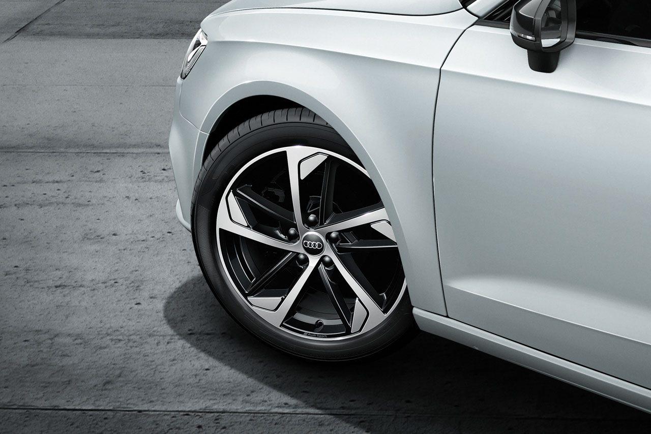 アウディ『Q2』『A3』にスタイリッシュデザイン&充実装備の限定モデルが登場