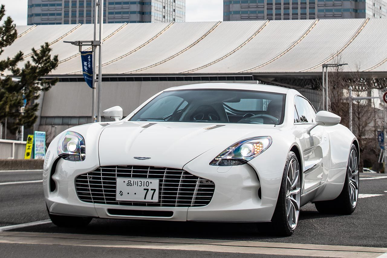総額15憶円以上の超高級スーパーカーのガチンコバトルをSGT×DTM交流戦で開催