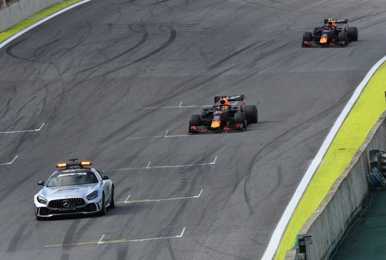 F1 | F1ボス、フェルスタッペンのリスタート時の戦術を称賛「レースを大いに盛り上げた。新規則策定へのヒントにもなる」