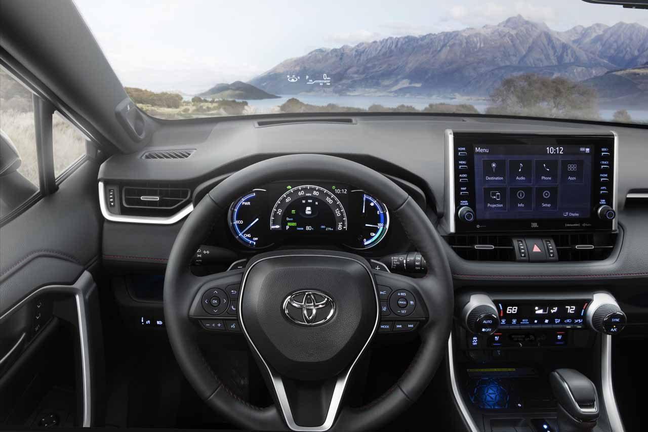 トヨタ、RAV4のプラグインハイブリッド車を世界初披露。2020年夏に日本導入予定