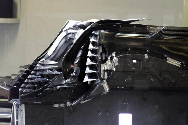 F1 | 【津川哲夫F1私的メカチェック】2019年のF1メカでもっともホットな創造空間、フロアフロントのディテールをチェック