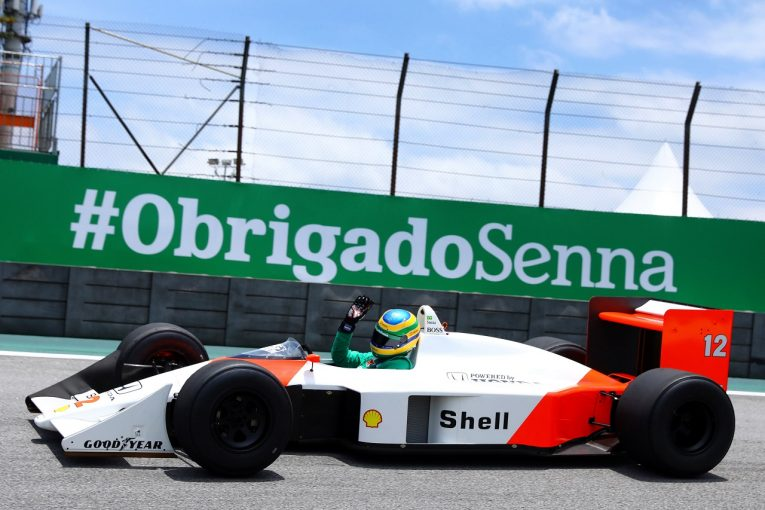 F1 | SNS特集F1ブラジルGP:ホンダが1-2の快挙をセナに報告。ブルーノがマクラーレンMP4/4でデモ走行