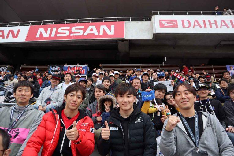 スーパーGT | autosport web応援席で立川&牧野がファンと交流。レース1裏話も/スーパーGT×DTM特別交流戦