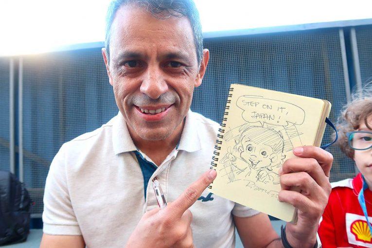 F1 | 【あなたは何しに?】アイルトン・セナをモデルとした人気コミック『セニーニャ』原作者、日本のオリンピックに興味深々