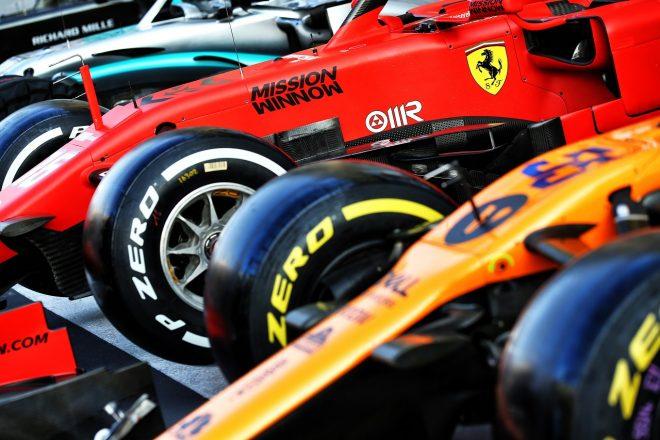 2019年F1第21戦アブダビGP木曜 サーキットに到着したフェラーリSF90