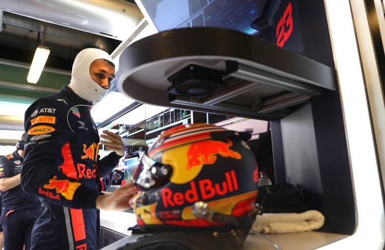 F1 | アルボン初日6番手「セクター3が課題。予選に備えて改善に取り組んでいく」:レッドブル・ホンダ F1アブダビGP